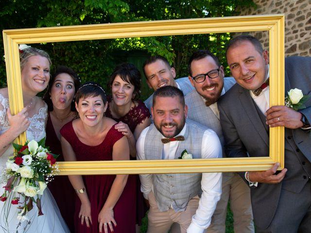 Le mariage de Arnaud et Flavie à Vimoutiers, Orne 29