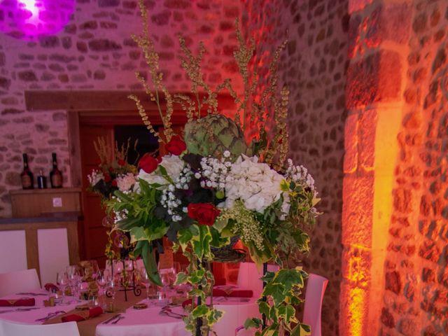Le mariage de Arnaud et Flavie à Vimoutiers, Orne 34