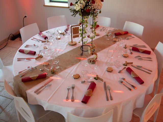 Le mariage de Arnaud et Flavie à Vimoutiers, Orne 37