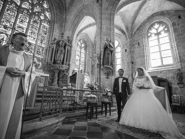 Le mariage de Altin et Denise à Locronan, Finistère 14