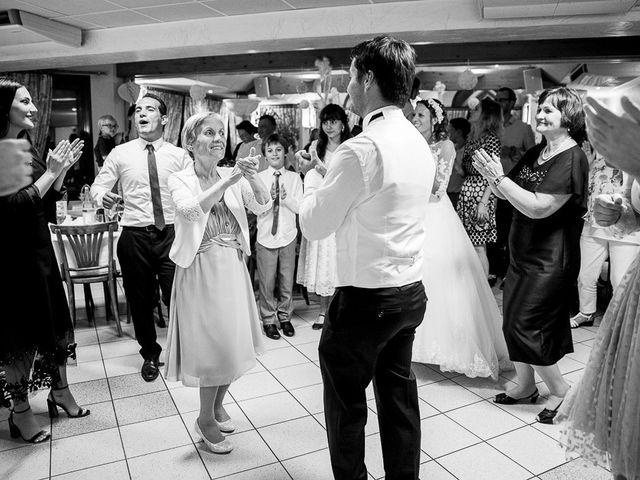 Le mariage de Altin et Denise à Locronan, Finistère 30