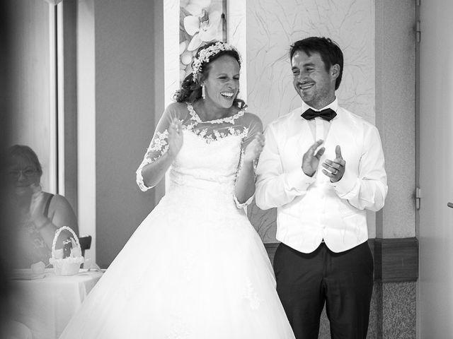 Le mariage de Altin et Denise à Locronan, Finistère 44