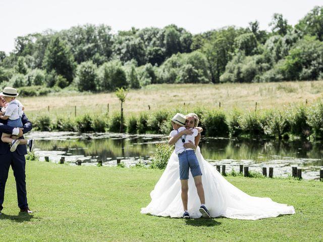 Le mariage de Antoine et Aurélie à Saint-Maurice-Saint-Germain, Eure-et-Loir 51