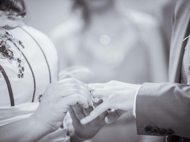 Le mariage de Xavier et Elodie à Saint-Laurent-d'Agny, Rhône 11