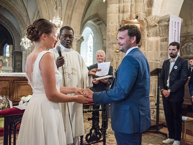 Le mariage de Mathieu et Anaïs à La Pommeraye, Calvados 56