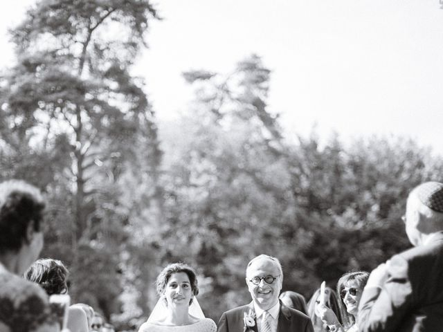 Le mariage de Charles et Clara à Vallery, Yonne 14