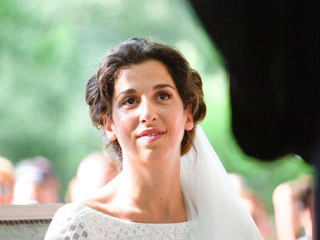 Le mariage de Charles et Clara à Vallery, Yonne 15