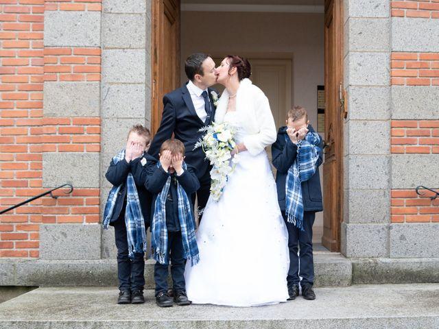 Le mariage de Samuel et Laëtitia à Saint-André-de-Messei, Orne 22