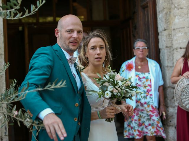 Le mariage de Laurent et Sandrine à Beaucaire, Gard 147
