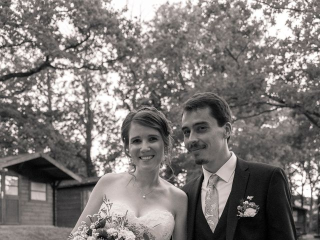 Le mariage de François et Elodie à Saint-Romain-en-Jarez, Loire 6