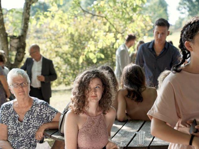 Le mariage de Anthony et Camille à Payzac, Dordogne 34