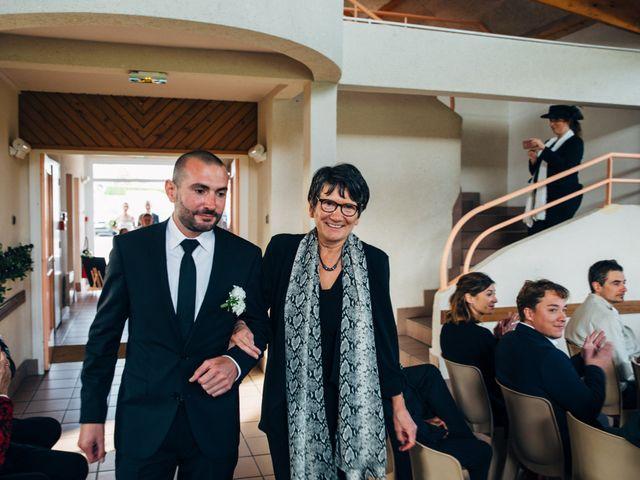 Le mariage de Benjamin et Marie à La Villeneuve-en-Chevrie, Yvelines 4