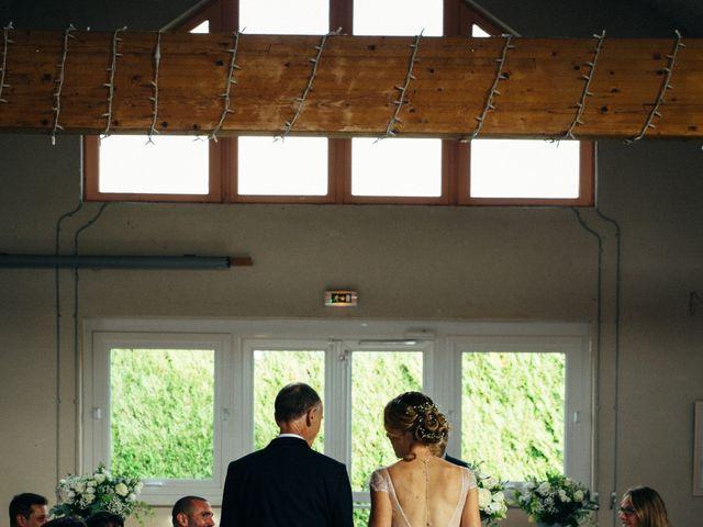 Le mariage de Benjamin et Marie à La Villeneuve-en-Chevrie, Yvelines 5