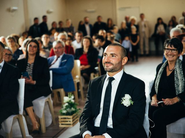 Le mariage de Benjamin et Marie à La Villeneuve-en-Chevrie, Yvelines 7