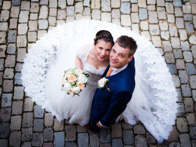 Le mariage de Johan et Aurélie à Lacenas, Rhône 12