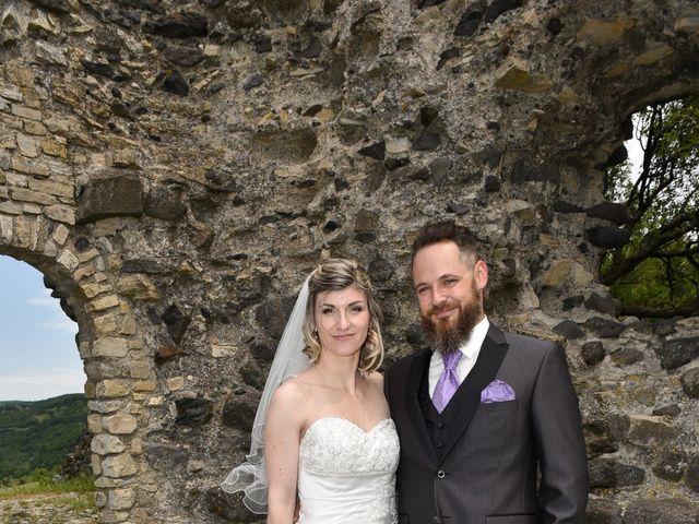 Le mariage de Bastien et Sandra à Villeneuve-de-Berg, Ardèche 3