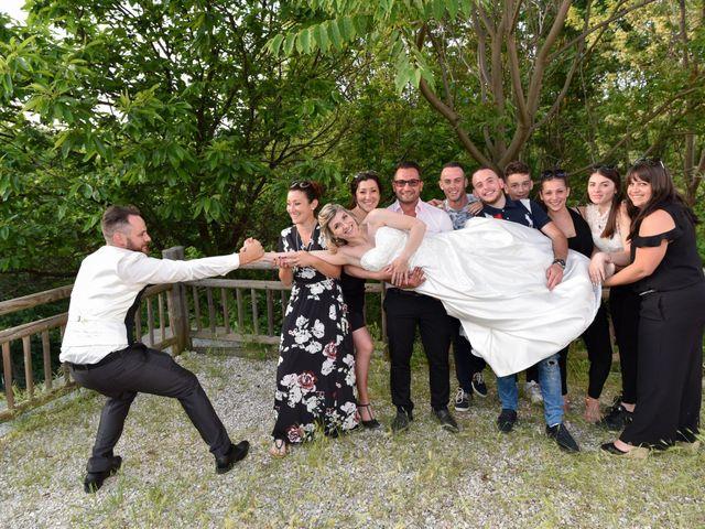Le mariage de Bastien et Sandra à Villeneuve-de-Berg, Ardèche 11