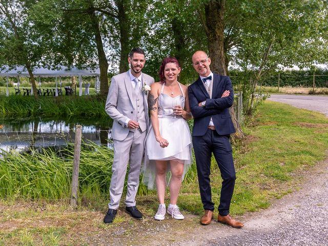 Le mariage de Gaetan et Gwendoline à Steenvoorde, Nord 10