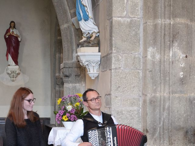Le mariage de Valérie et Dominique à Larchamp, Mayenne 6