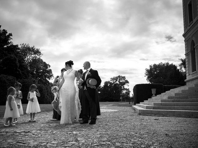 Le mariage de Tarran et Kate à Thuret, Puy-de-Dôme 37