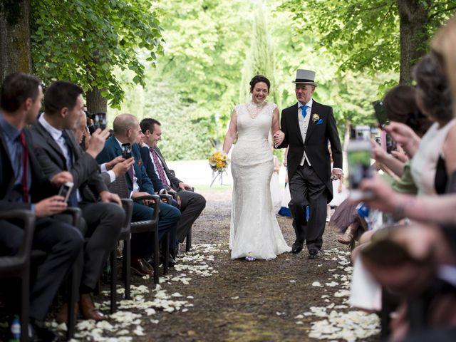 Le mariage de Tarran et Kate à Thuret, Puy-de-Dôme 39