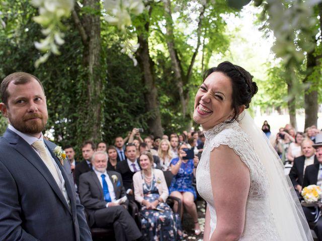 Le mariage de Tarran et Kate à Thuret, Puy-de-Dôme 44
