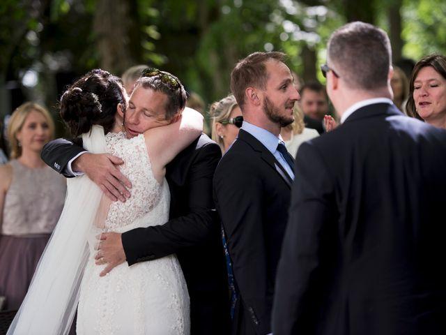 Le mariage de Tarran et Kate à Thuret, Puy-de-Dôme 55