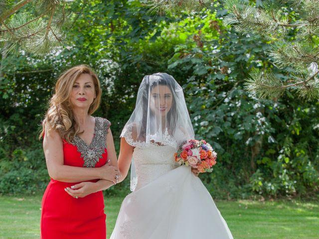 Le mariage de Gwenneg Kerdivel et Elnaz Saberi Ansari à Gouesnou, Finistère 3