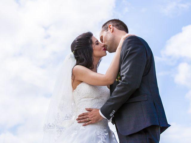 Le mariage de Gwenneg Kerdivel et Elnaz Saberi Ansari à Gouesnou, Finistère 6