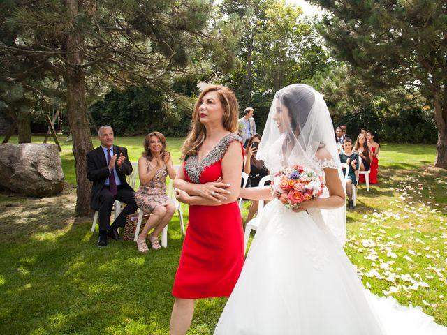 Le mariage de Gwenneg Kerdivel et Elnaz Saberi Ansari à Gouesnou, Finistère 13