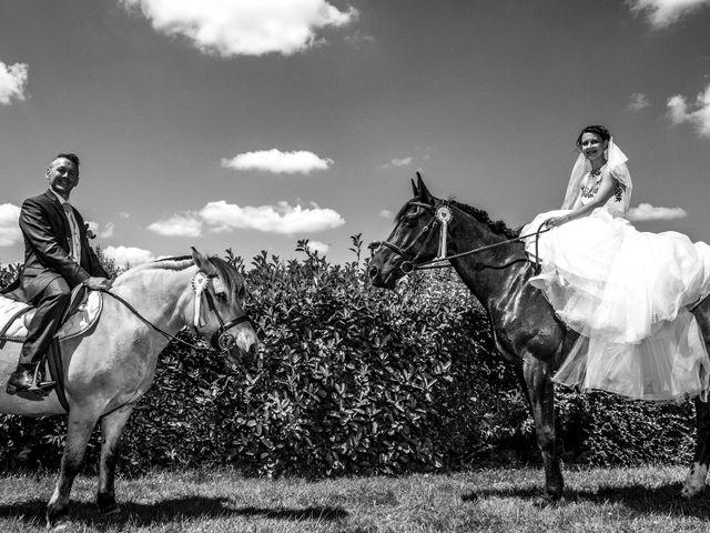 Le mariage de Aymeric et Lou à Bouère, Mayenne 2