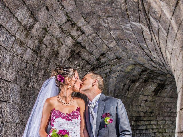Le mariage de Aymeric et Lou à Bouère, Mayenne 14
