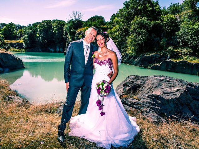 Le mariage de Aymeric et Lou à Bouère, Mayenne 16