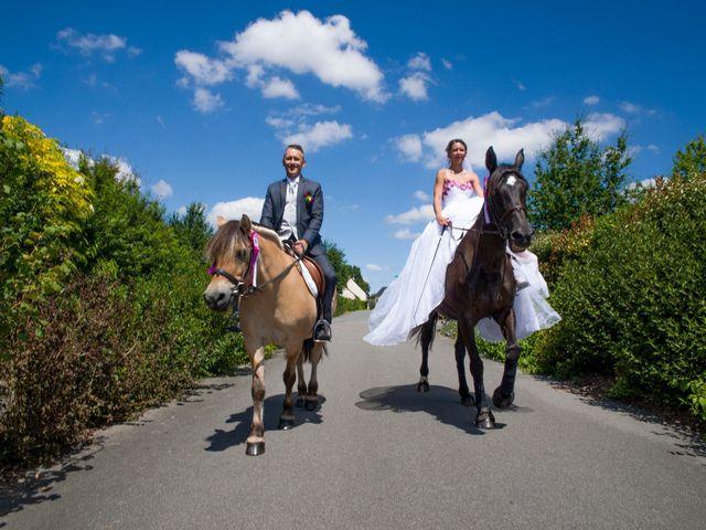 Le mariage de Aymeric et Lou à Bouère, Mayenne 17