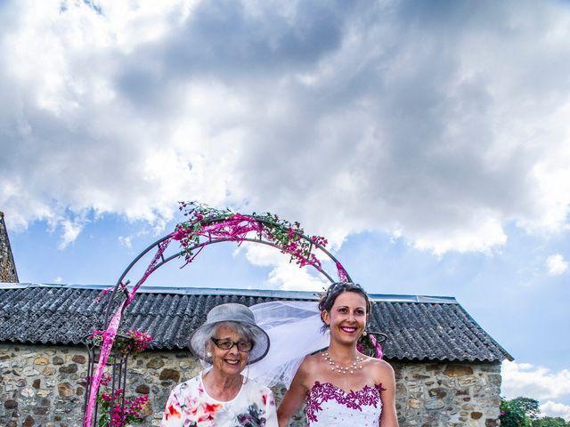 Le mariage de Aymeric et Lou à Bouère, Mayenne 21
