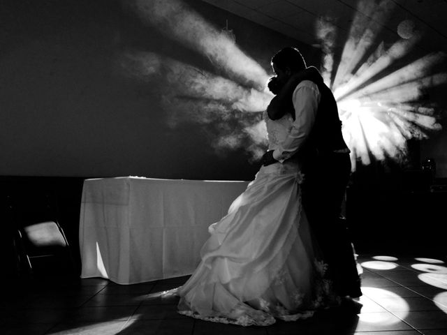 Le mariage de Sébastien et Cynthia à Halluin, Nord 18