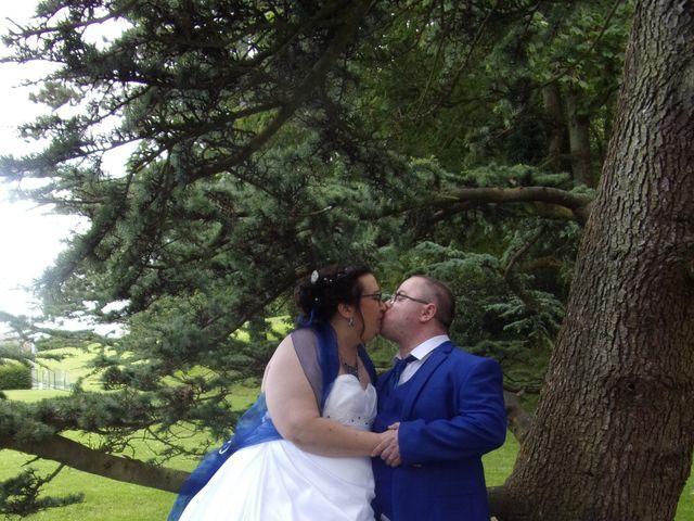 Le mariage de Arnaud et Christelle à Querqueville, Manche 9