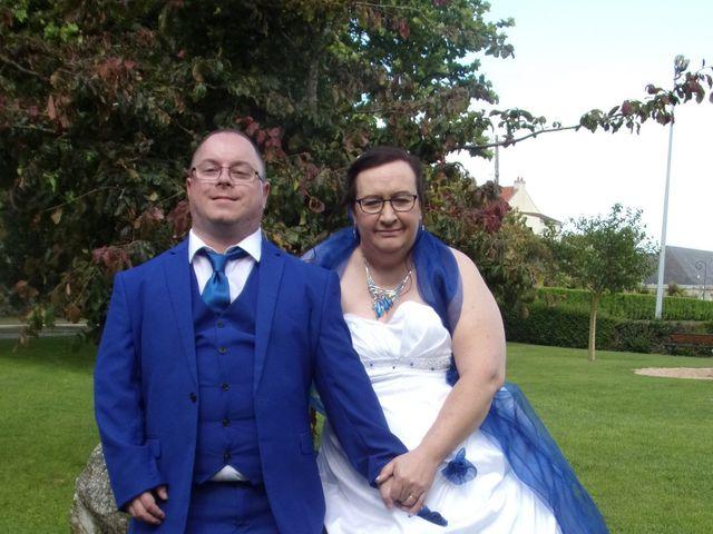 Le mariage de Arnaud et Christelle à Querqueville, Manche 16