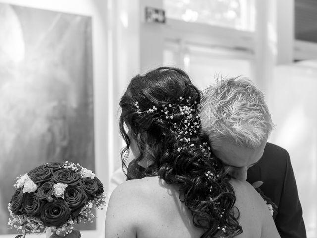 Le mariage de Yoan et Marine à Marseille, Bouches-du-Rhône 12