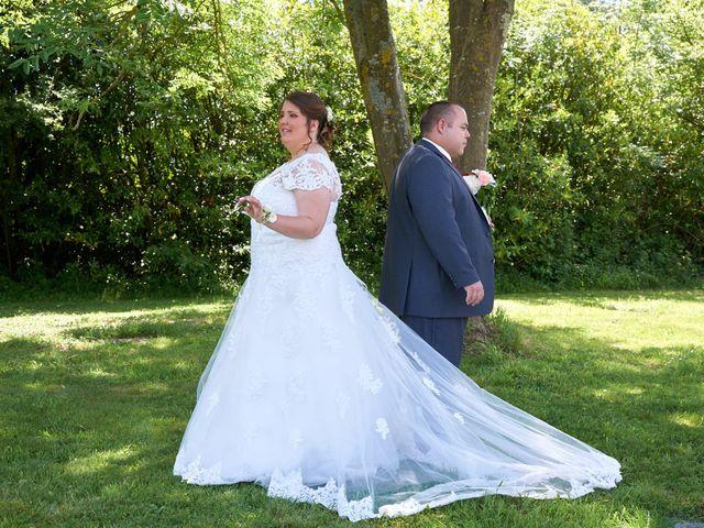 Le mariage de Denis et Ophélie à Saint-Pierre-du-Vauvray, Eure 23