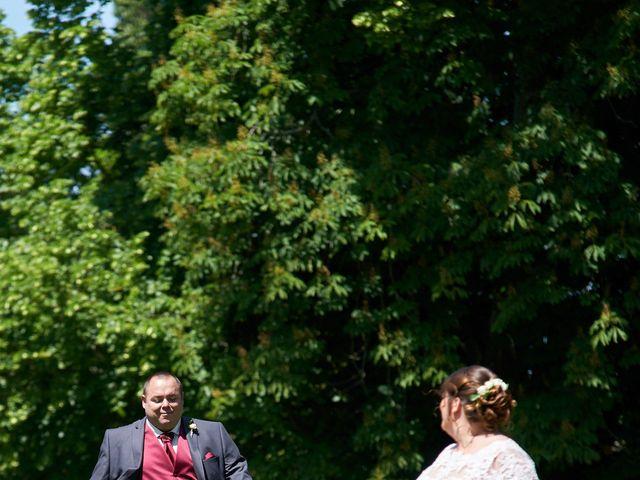 Le mariage de Denis et Ophélie à Saint-Pierre-du-Vauvray, Eure 29