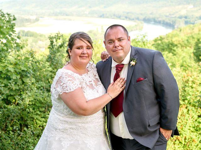 Le mariage de Denis et Ophélie à Saint-Pierre-du-Vauvray, Eure 69