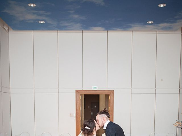 Le mariage de Anthony et Marion à Grignan, Drôme 35