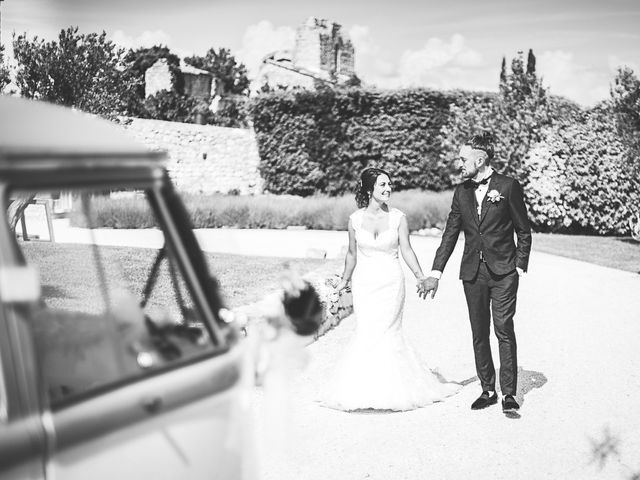 Le mariage de Anthony et Marion à Grignan, Drôme 51