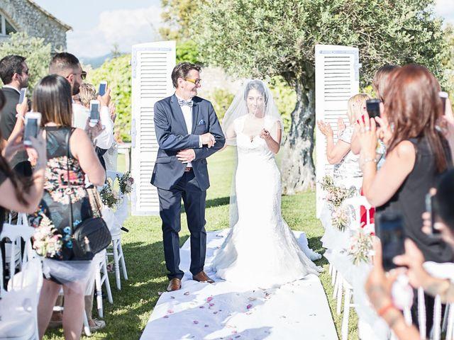 Le mariage de Anthony et Marion à Grignan, Drôme 55