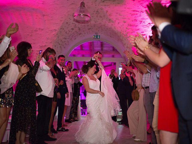 Le mariage de Anthony et Marion à Grignan, Drôme 71