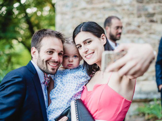 Le mariage de Florian et Valentine à Saint-Vérand, Rhône 30