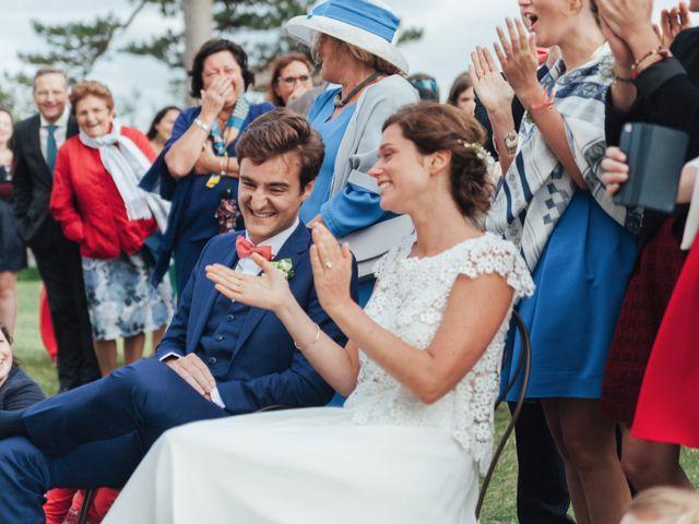 Le mariage de Romain et Sixtine à Granville, Manche 16