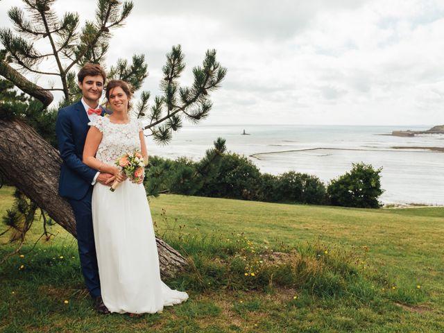 Le mariage de Romain et Sixtine à Granville, Manche 24