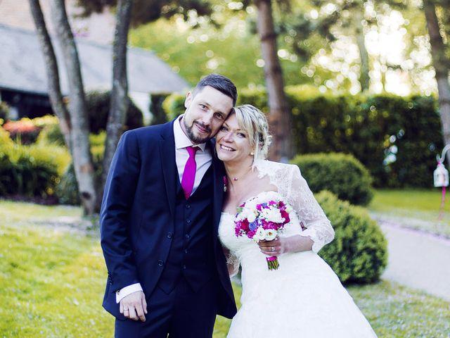 Le mariage de Thibault et Aurélie à Saint Léger en Bray, Oise 43